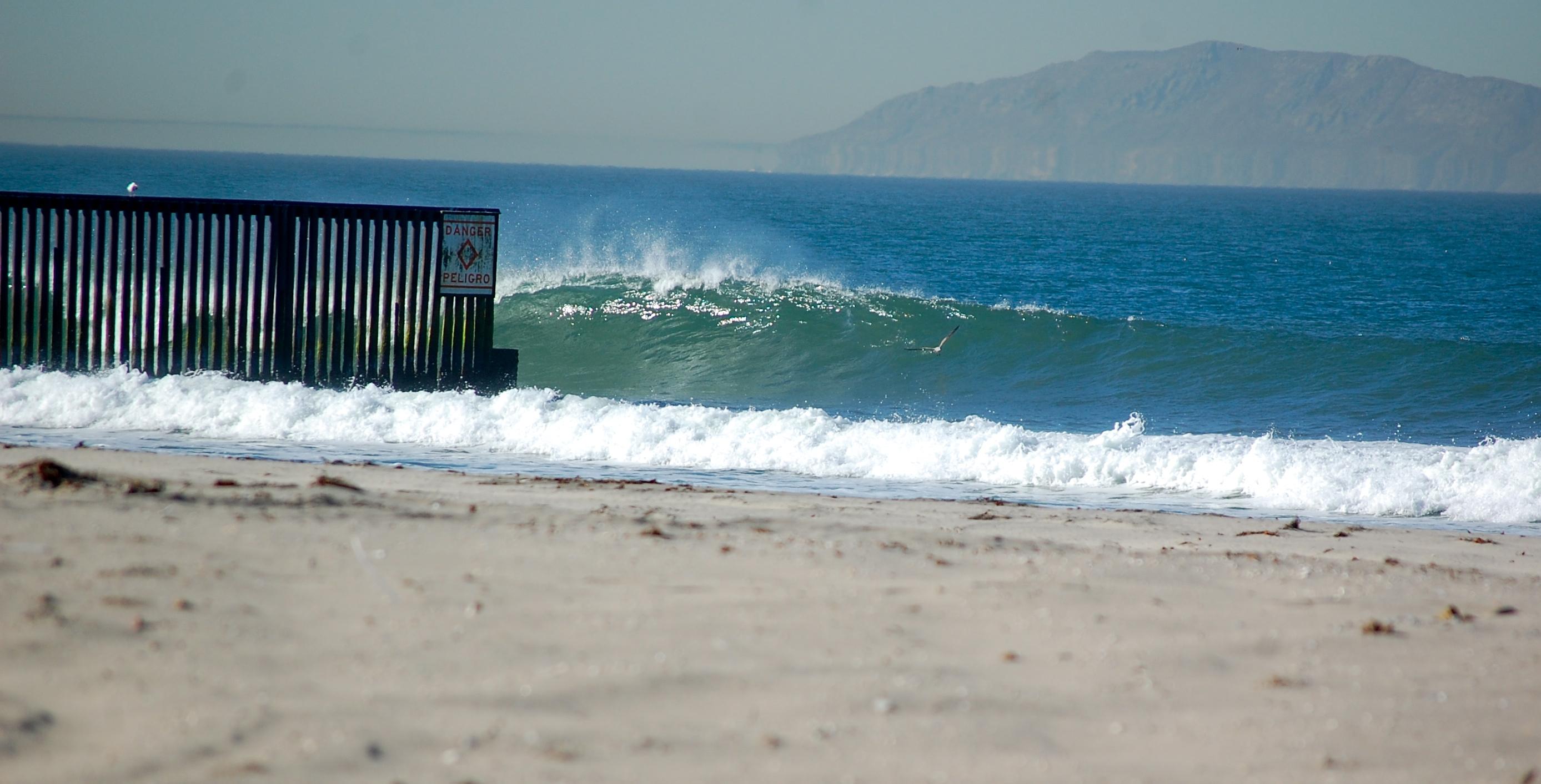 Wave Wall Murals Playas De Tijuana Sergededina