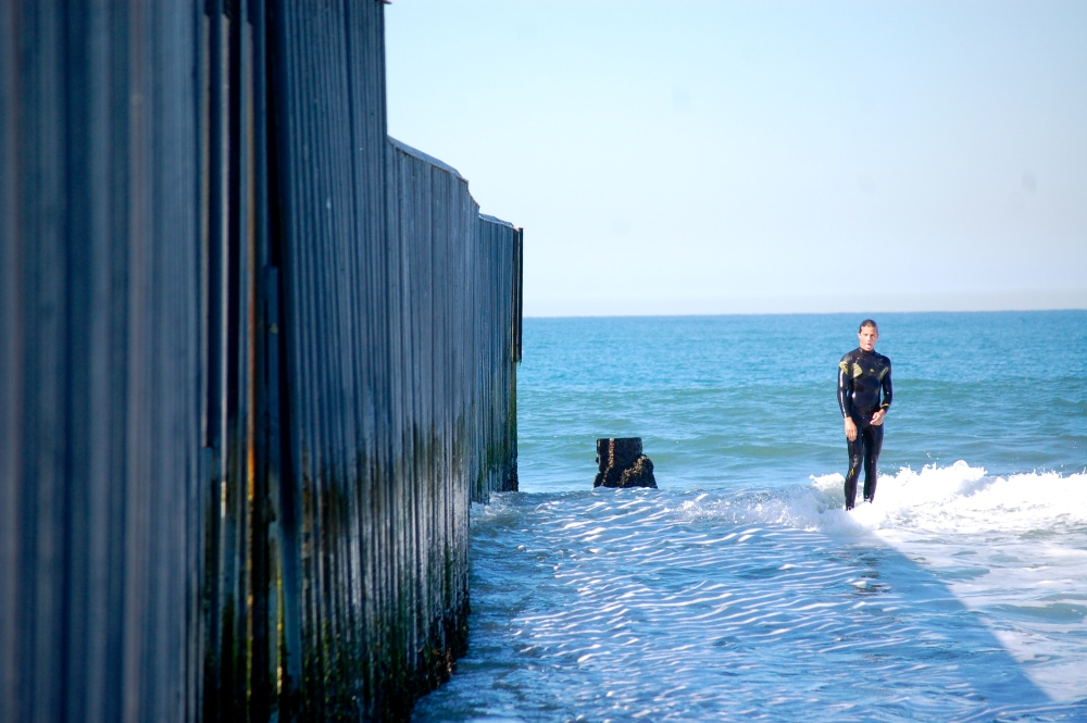 Surfing the U.S.-Mexico Border Fence (3/6)