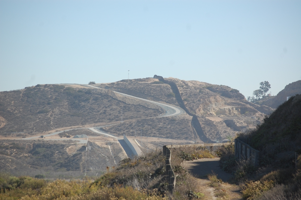 Surfing the U.S.-Mexico Border Fence (6/6)