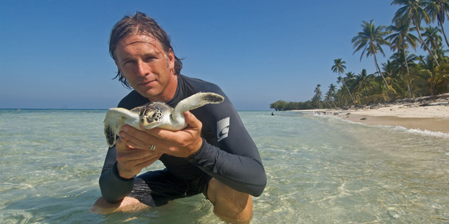 J Nichols on Why We Should Save Sea Turtles and Why Our Brains Need the Ocean (3/4)