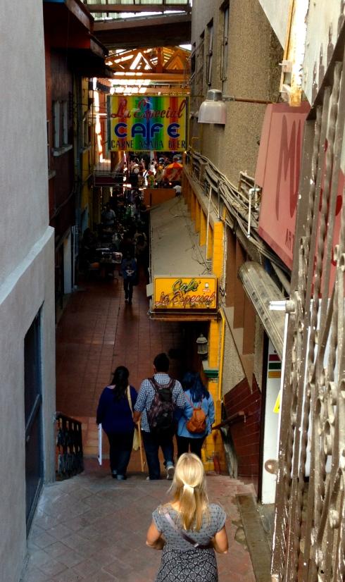 The entrance to Pasaje Gomez from Revolucion.